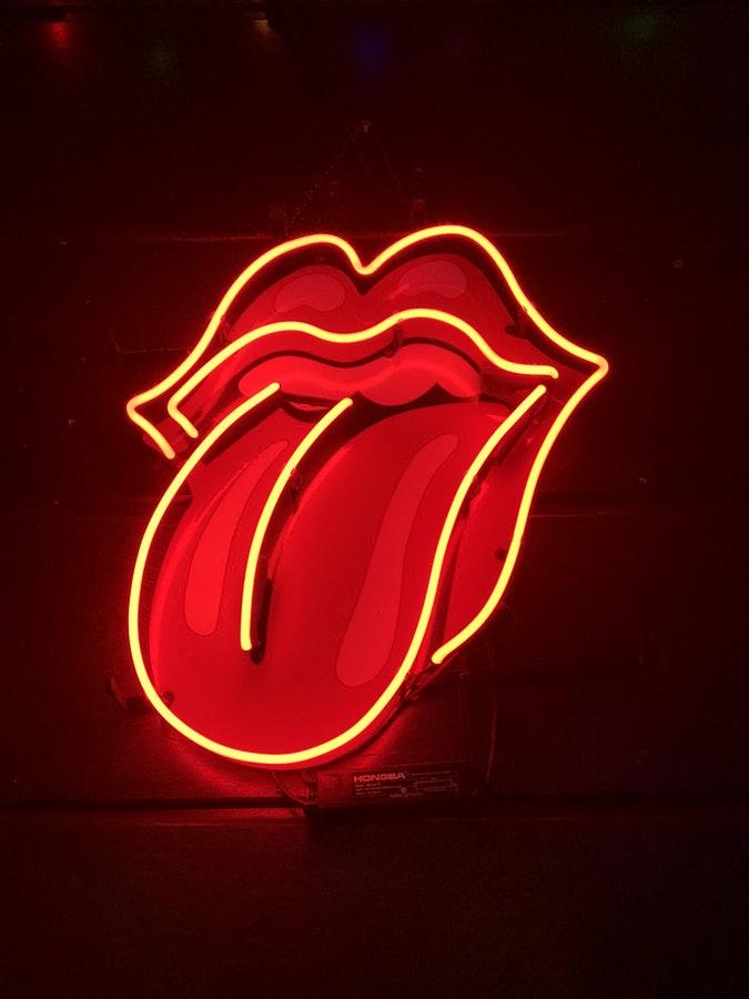 Mordez votre langue et voyez si ça fait mal.