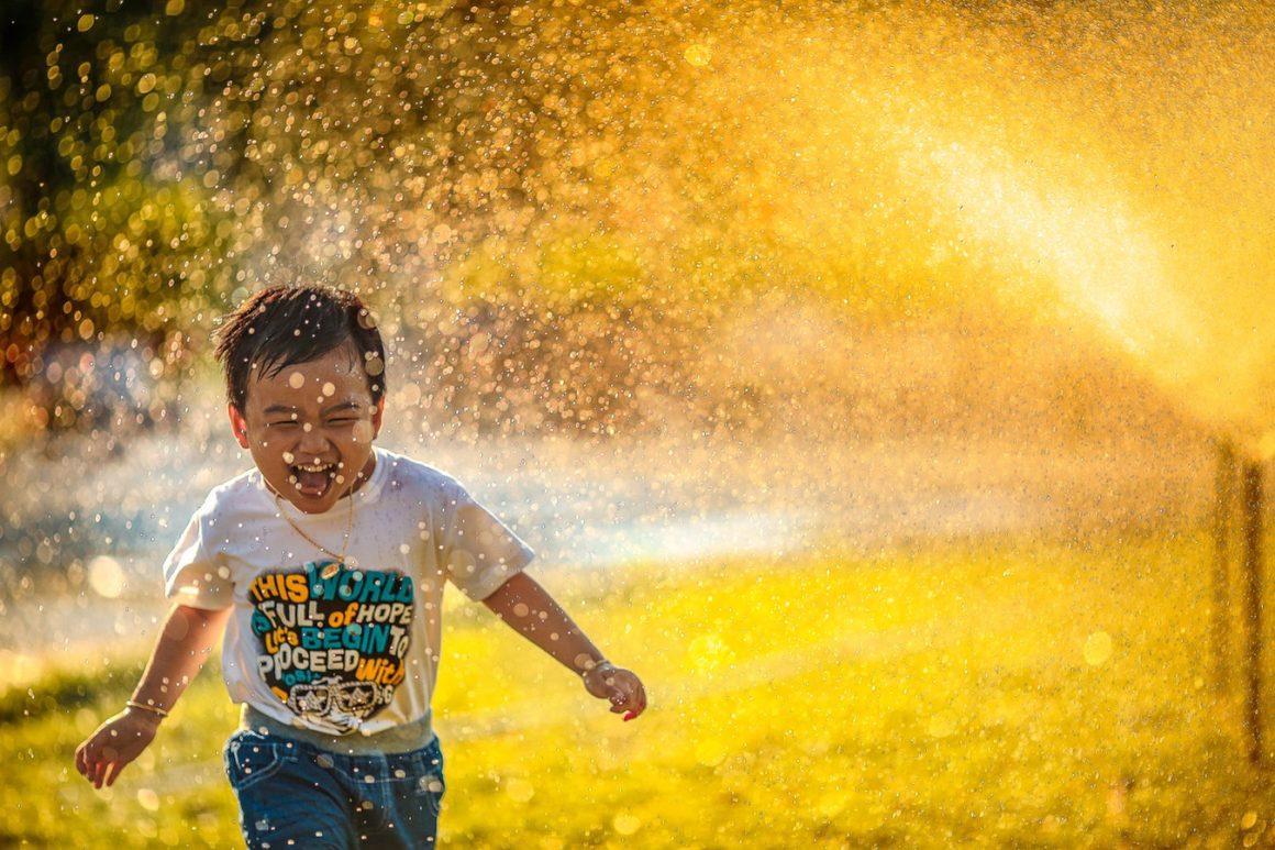 Traitez-vous comme un enfant – Liste de 23 choses à faire quand on se sent SEUL