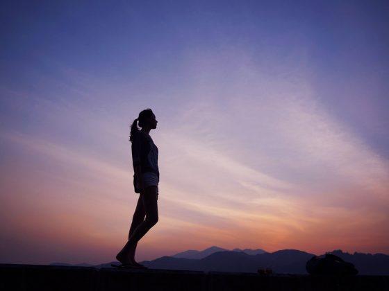 Liste de 6 conseils SIMPLES pour surmonter la SOLITUDE